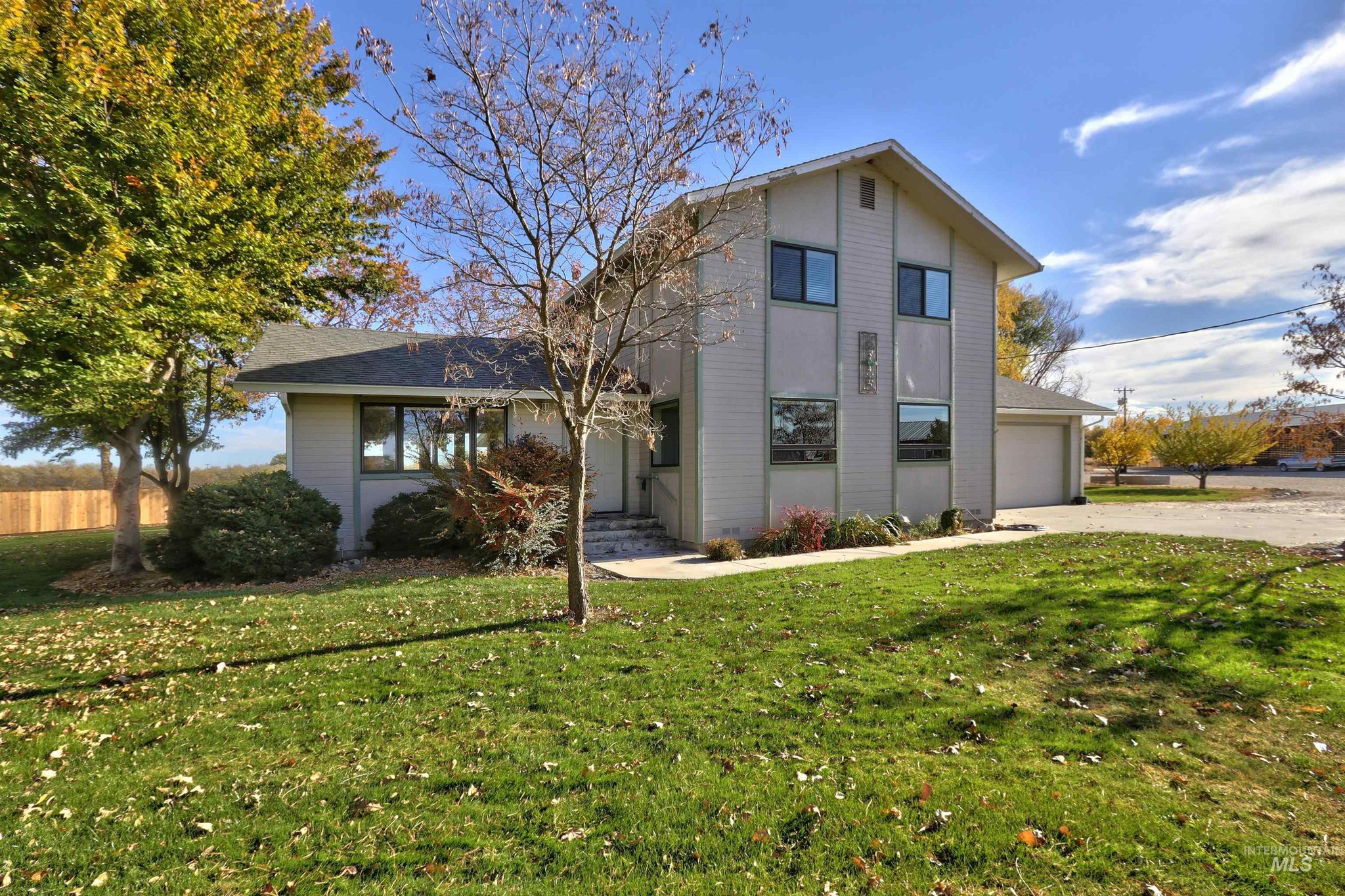 Updated 4-Bedroom House In Parma