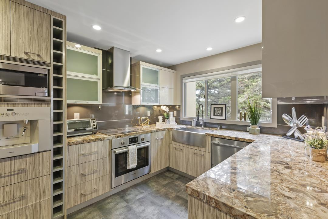 Remodeled 3-Bedroom House In Lakeshore