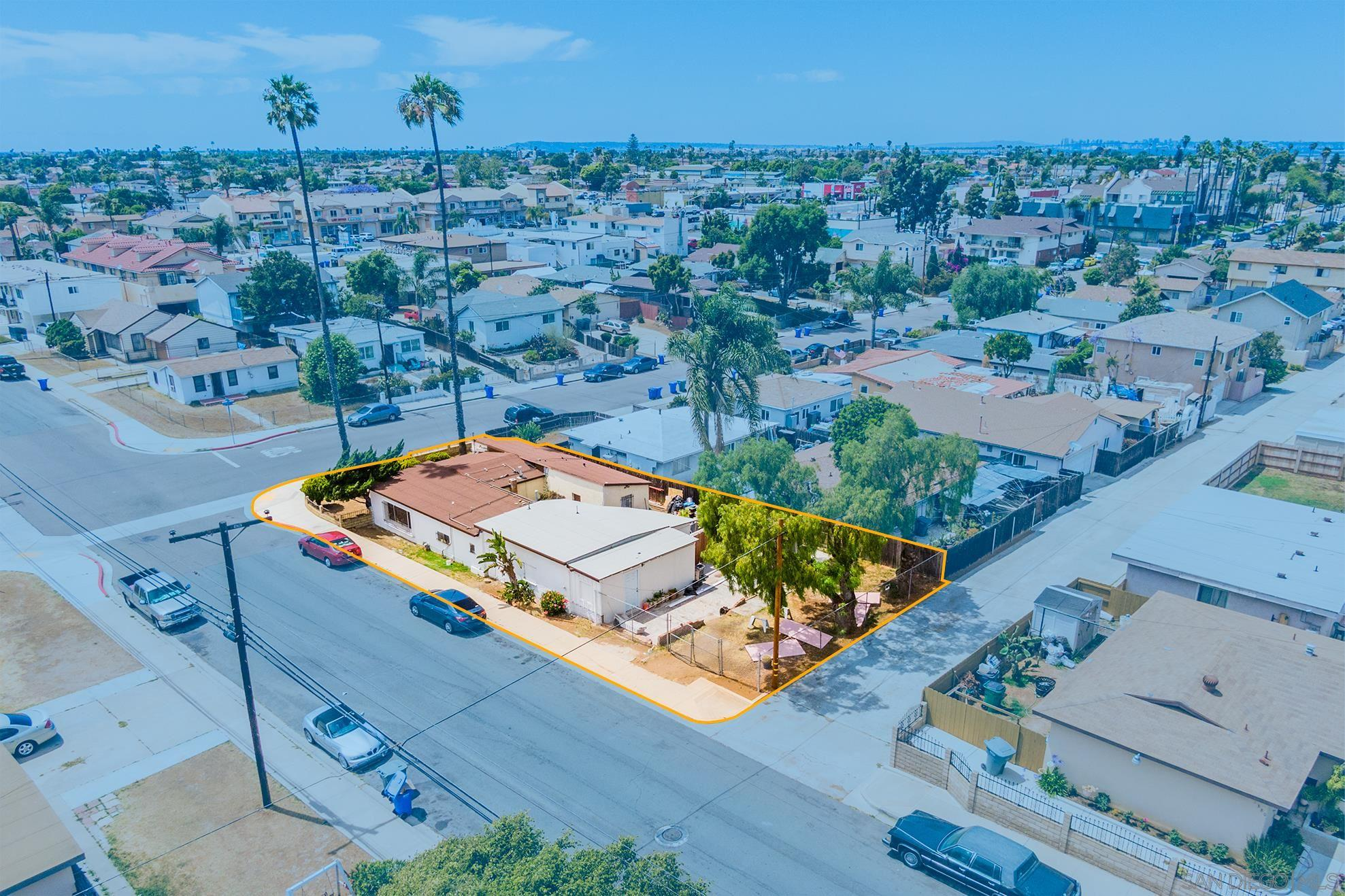 Multi-Family Home In Imperial Beach