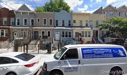 Multi-Family Home In East Tremont
