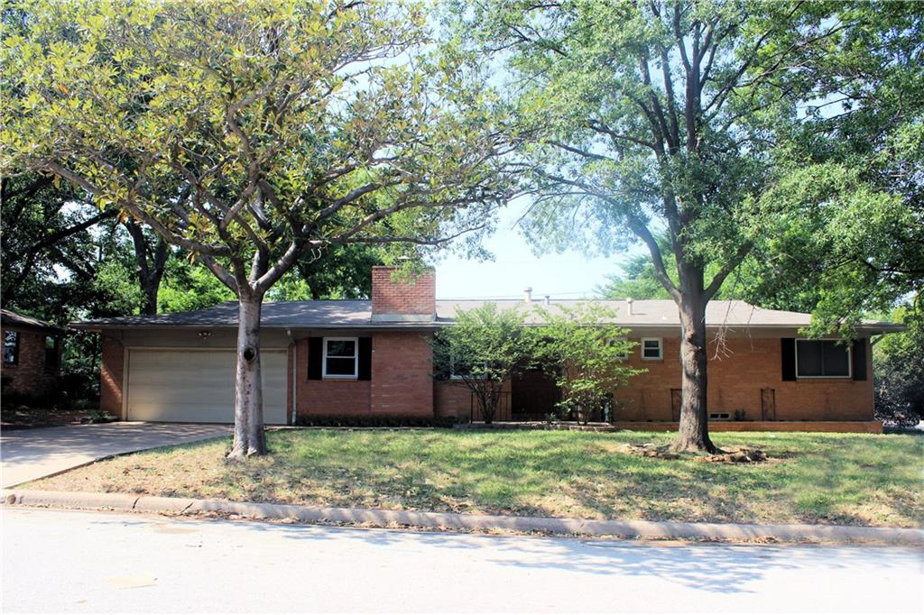 Updated 3-Bedroom House On a Corner Lot