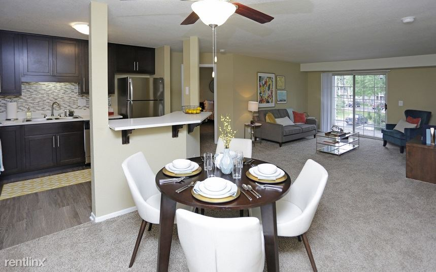 Downtown Apartment With Vaulted Ceilings