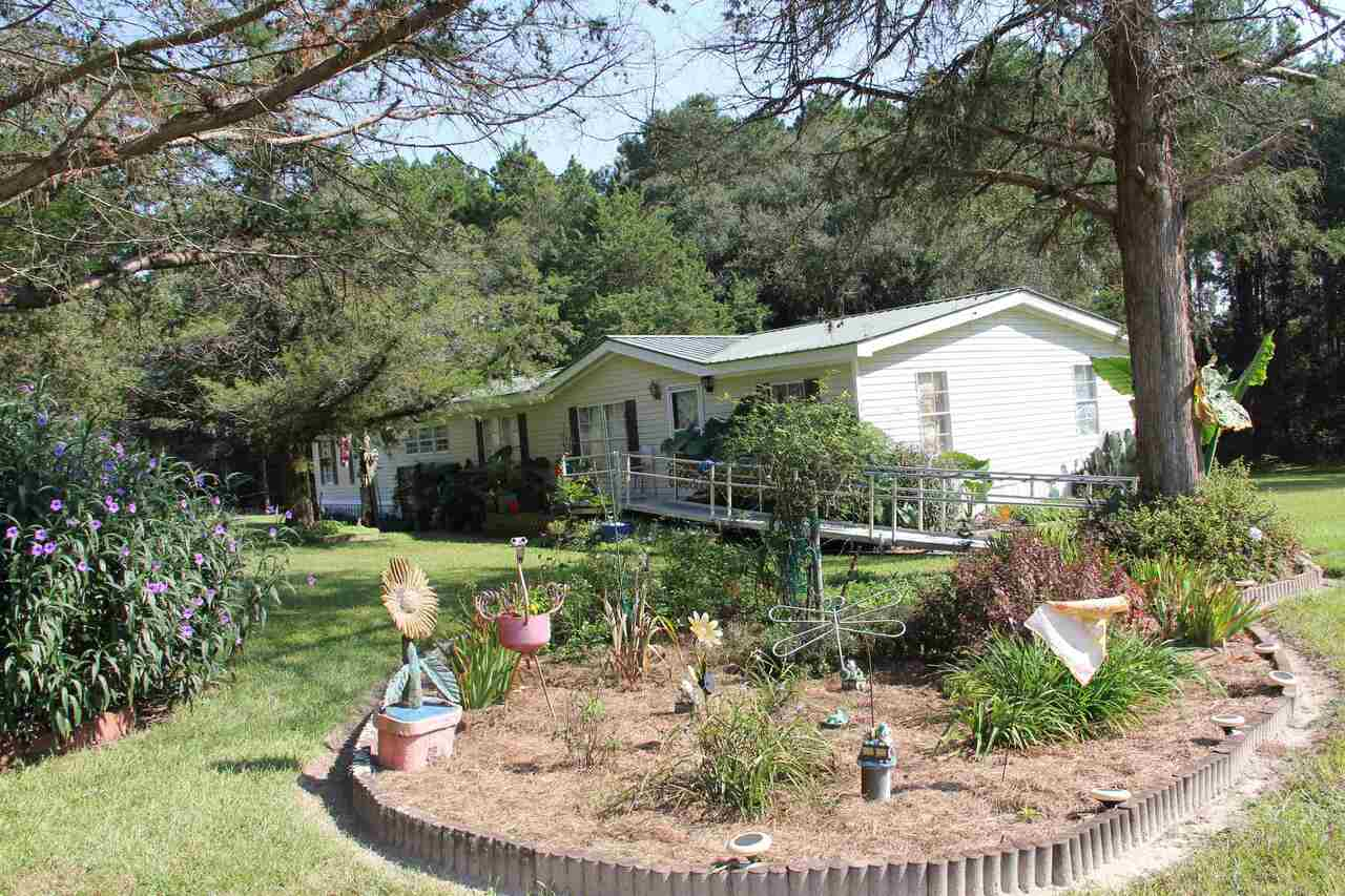 4-Bedroom House In Claxton