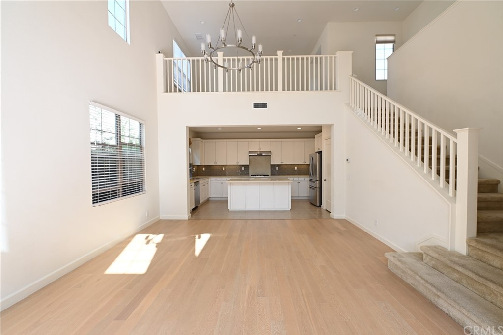 Luxurious 4-Bedroom House In Cypress Village