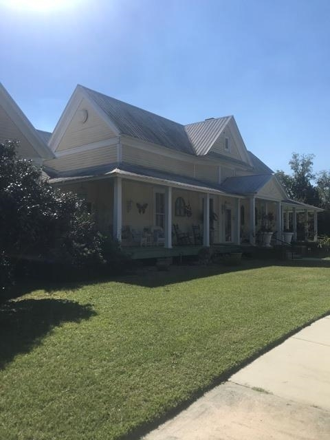 Renovated 6-Bedroom House In Claxton