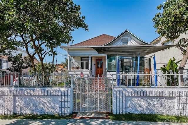 1-Story Multi-Family Home In South Central La
