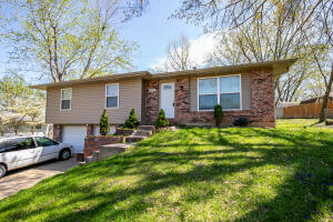 Multi-Family Home In Rollingwood