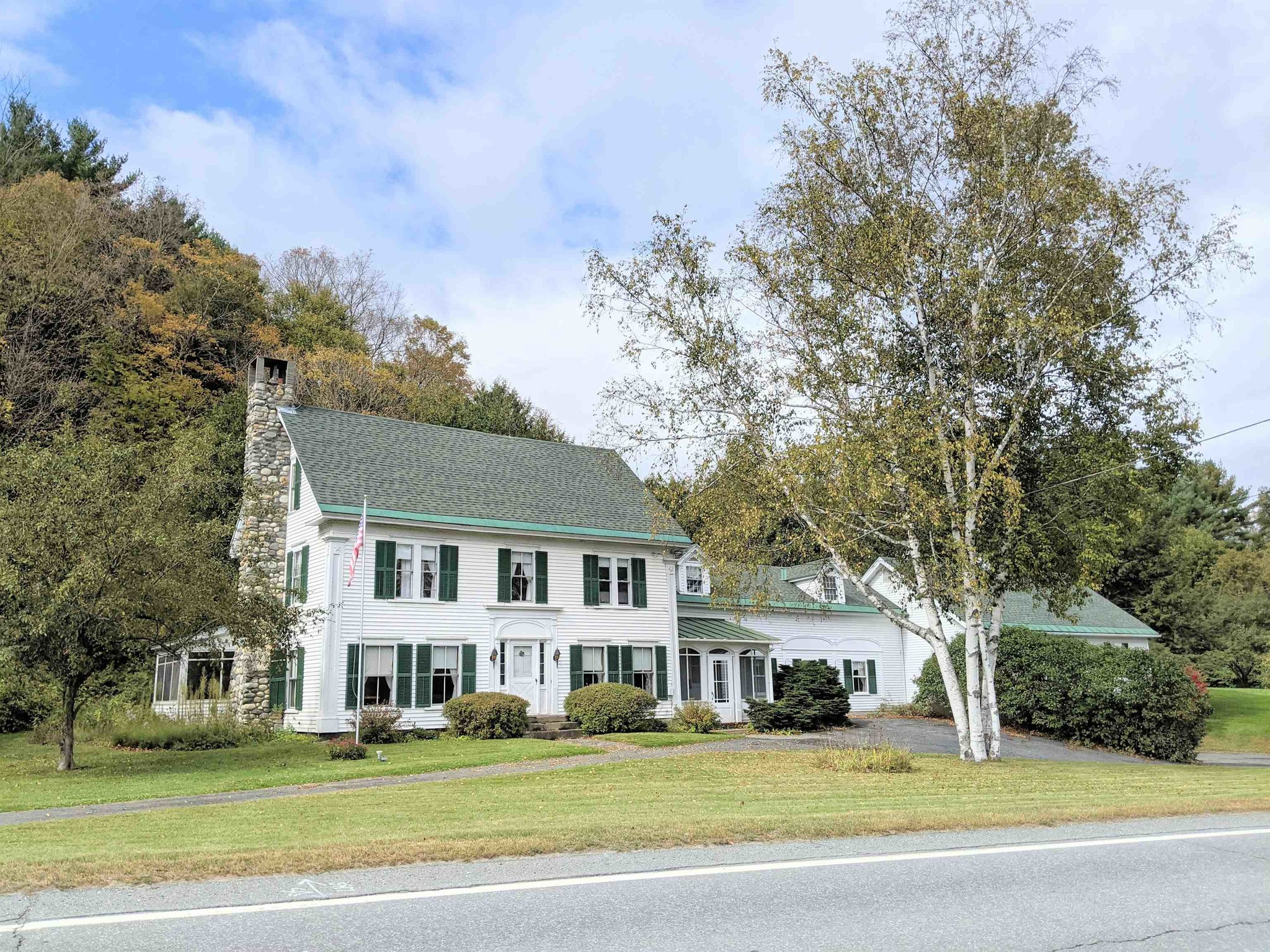 Updated 5-Bedroom House In Waterford