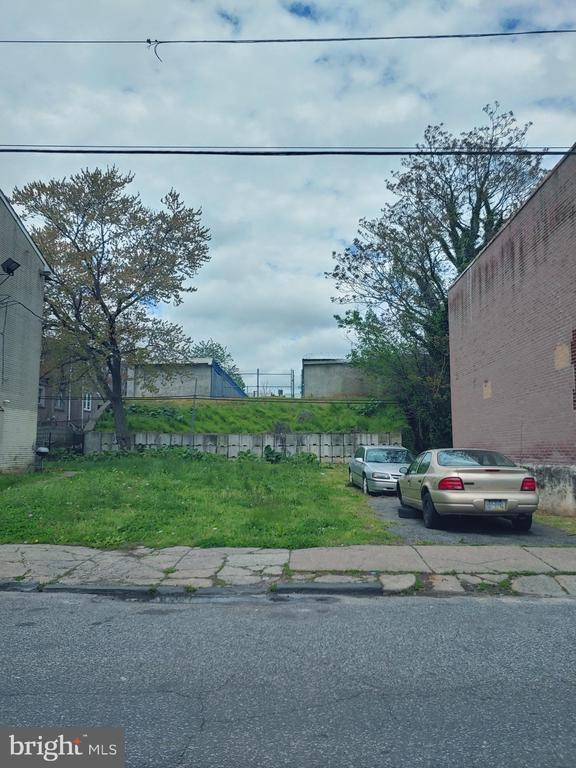 Lot In Frankford