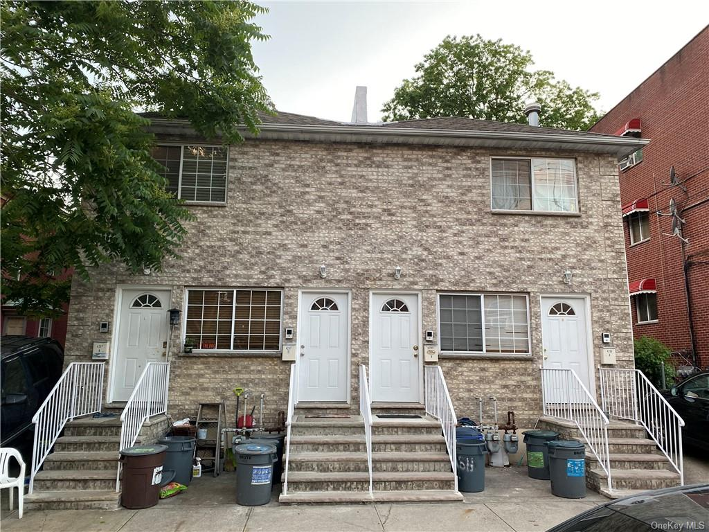 Multi-Family Home In Woodlawn Heights