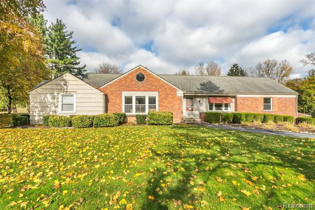 Updated 4-Bedroom House In Northville