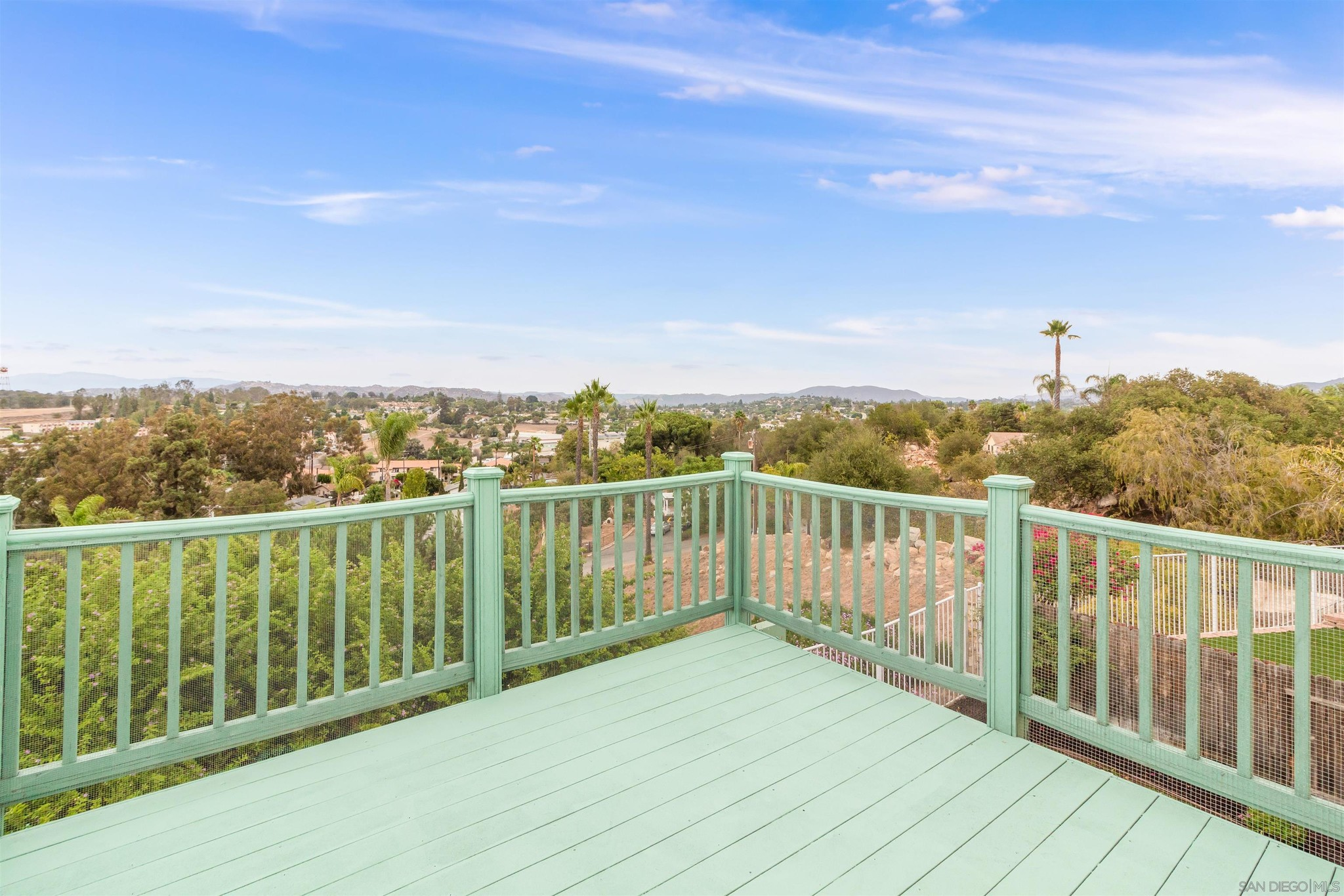 Remodeled 3-Bedroom House In Poets Square