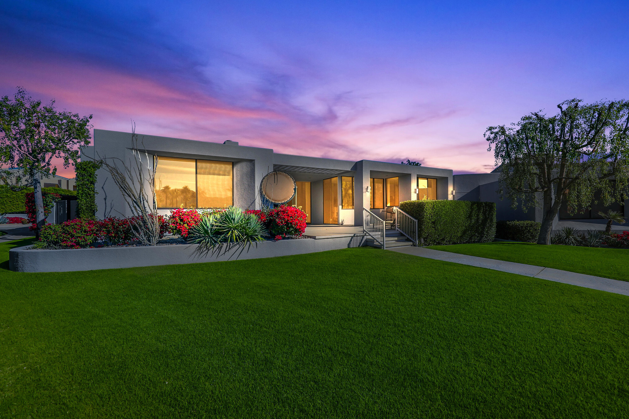 1-Story House In Tamarisk Heights