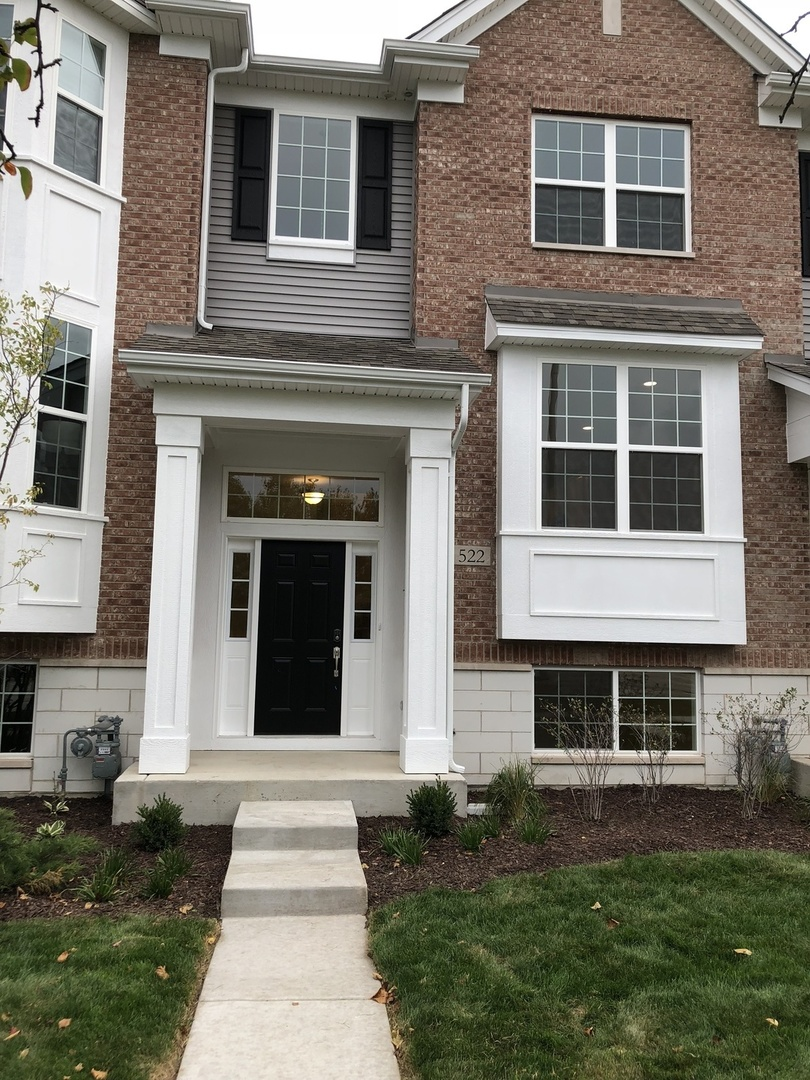 1813 SqFt Townhouse In Naperville