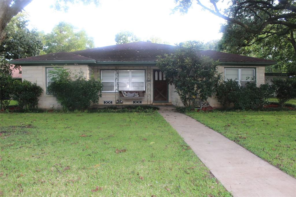 Updated 3-Bedroom House In Bay City