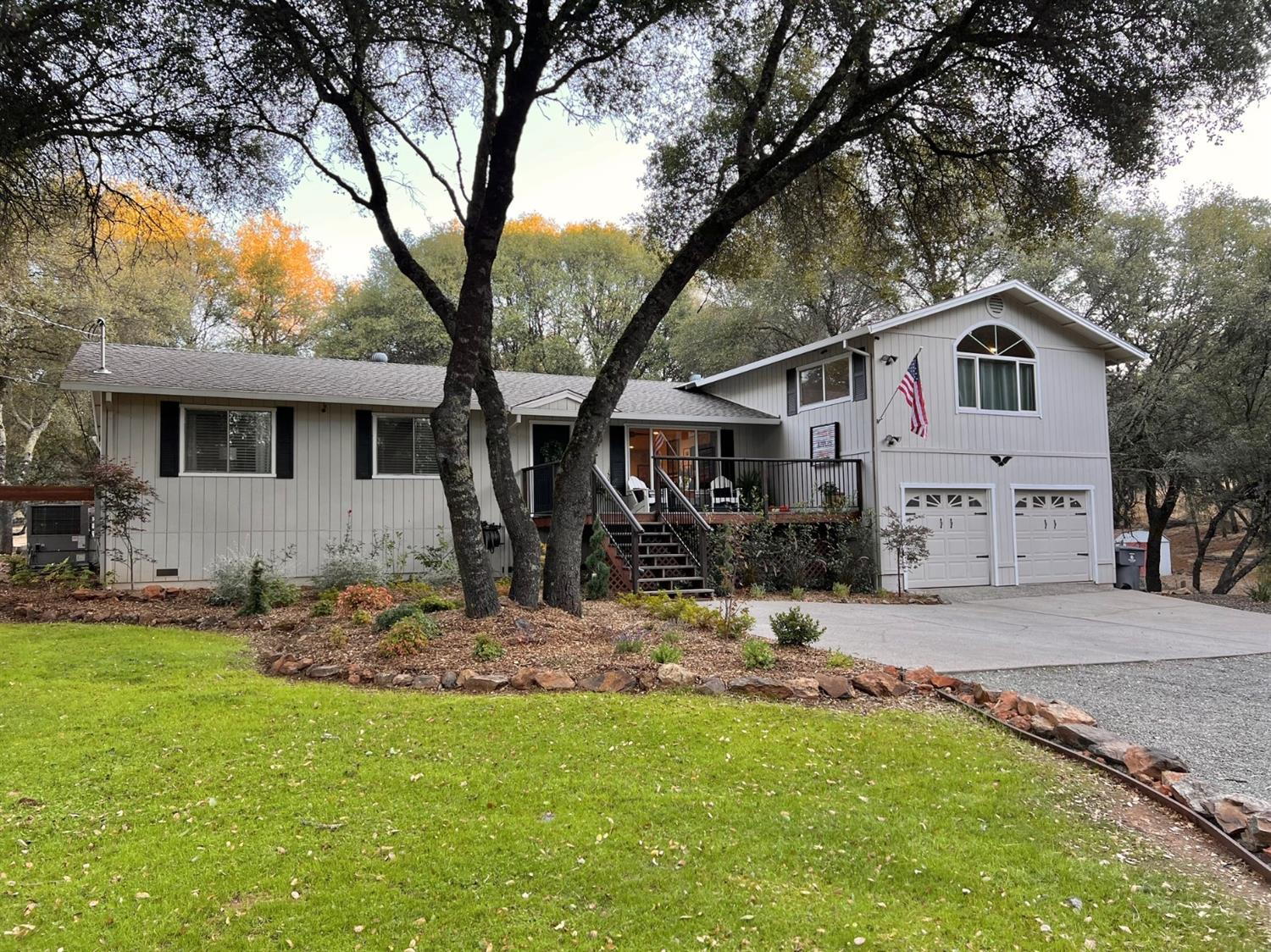 Remodeled 4-Bedroom House In Christian Valley Park