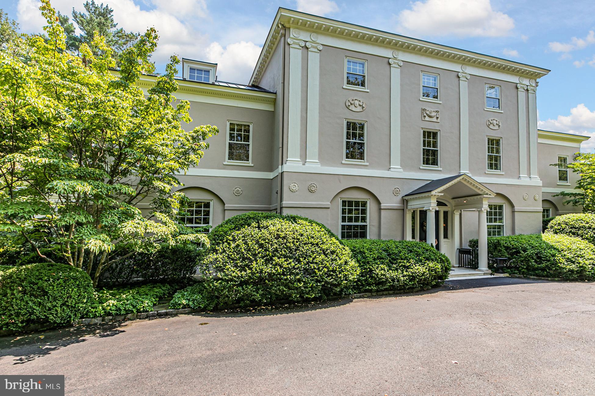 Stately 8-Bedroom House In Princeton