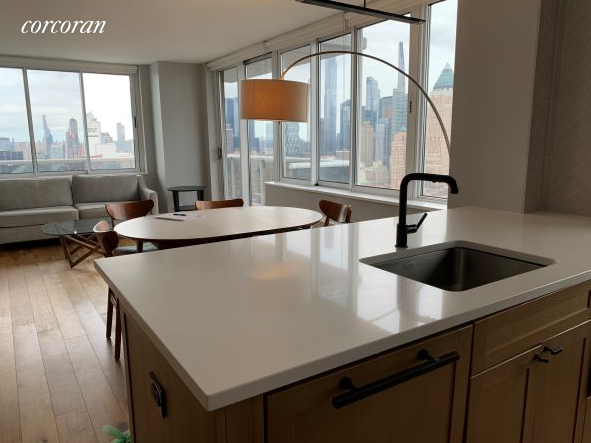 Luxurious 2-Bedroom Condo In Hell S Kitchen