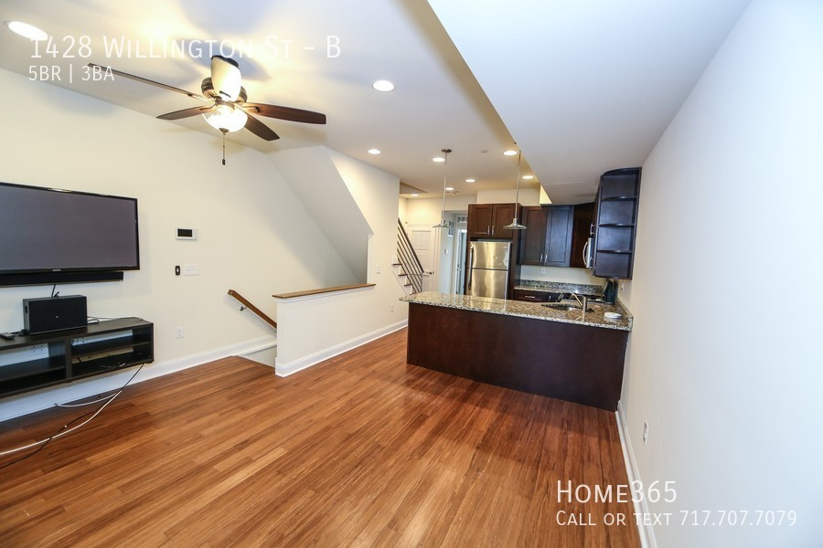 Upscale 5-Bedroom House In North Central