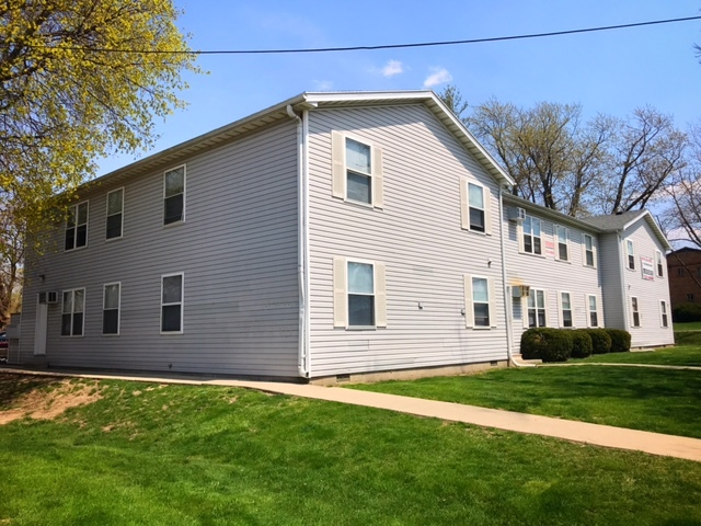 4-Bedroom House In Downtown Normal