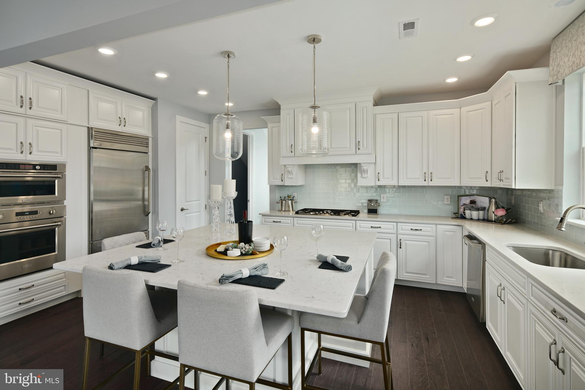 Luxurious 3-Bedroom Condo In Lawrenceville