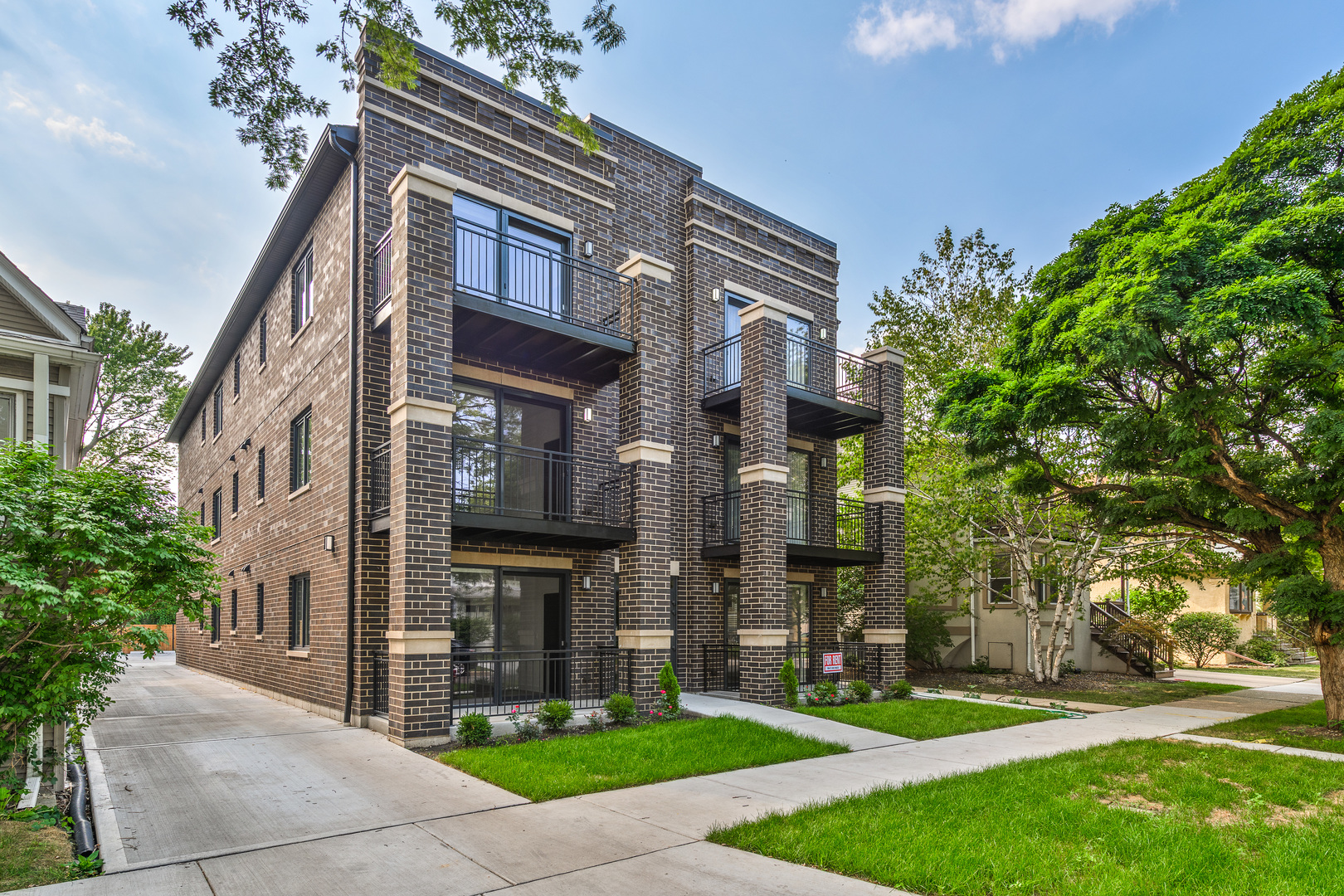 2-Bedroom House In Irving Park