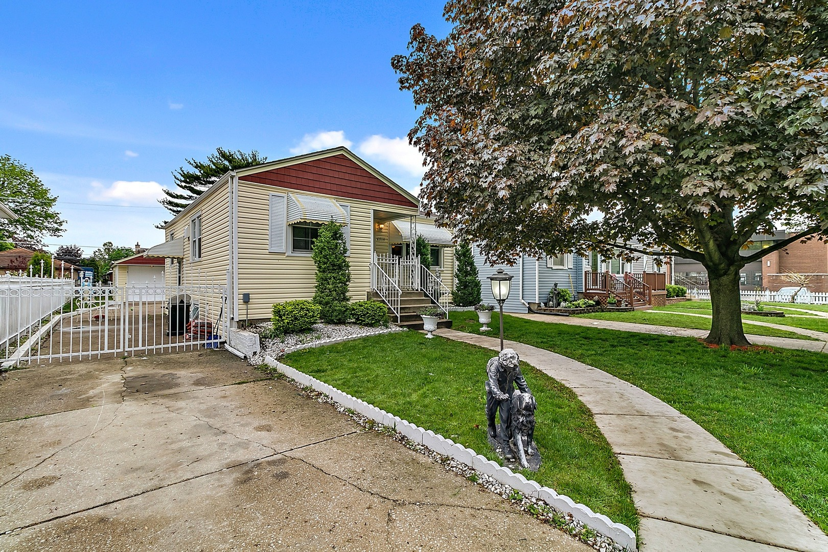 Updated 2-Bedroom House In Forest View