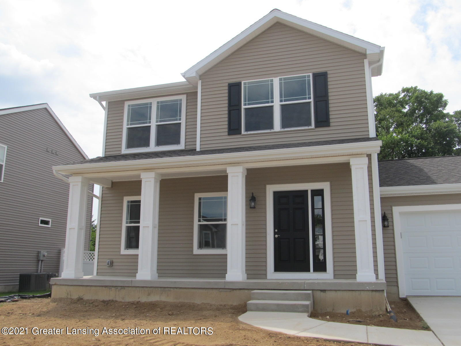 Updated 3-Bedroom House In Colbrook Meadows