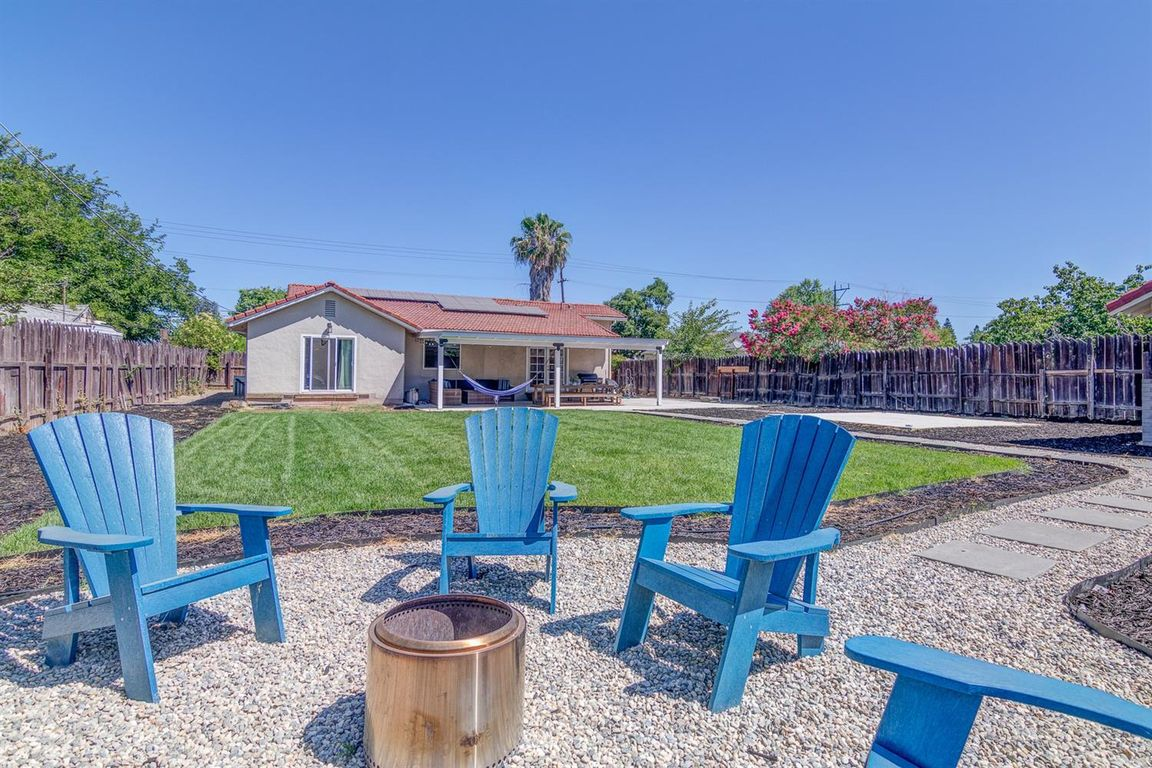 2151 SqFt House In Marconi North