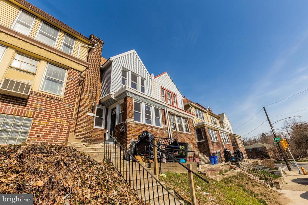 Renovated 3-Bedroom Condo In West Mount Airy