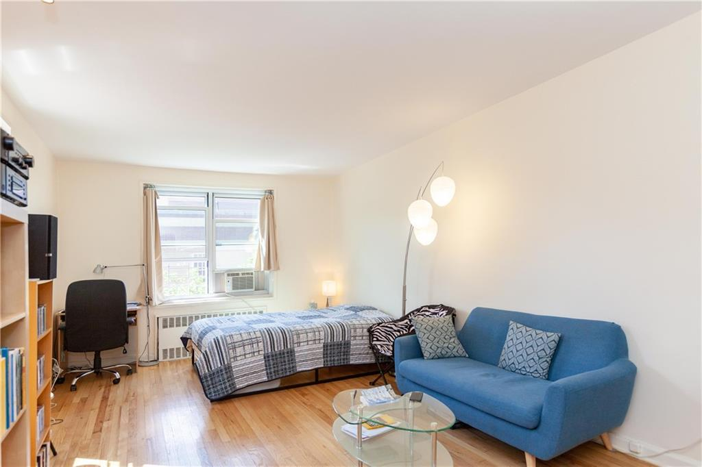 Condo In Jackson Heights